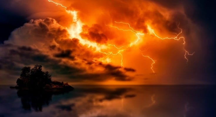 symbolic meaning of lightning
