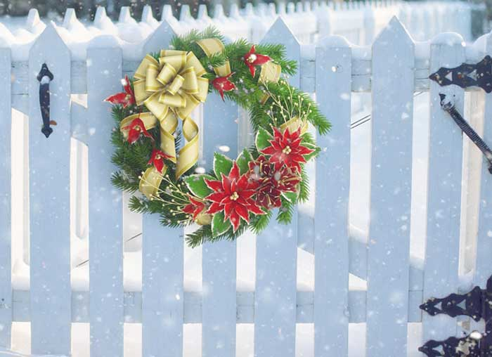 Winter and Christmas wreath meaning